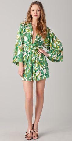Love kimono dress. So sexy... ISSA Print Short #Kimono #Dress Just one fo many from chic shop at http://www.styleswift.com