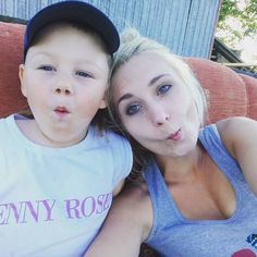 #love #lovelytime #lovetime #summertime #family #boy #littleboy #youngmother #blueyes #blondgirl #student #happywomen #happyness