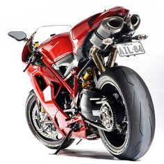 Had the pleasure of photographing some beautiful today including this gorgeous Ducati 1198s, Ducati Superbike, Ducati Motorcycles, Cars And Motorcycles, Life Crisis, Moto Guzzi, Sport Bikes, Custom Bikes, Supercars