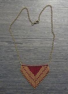 collar tipo azteca 1 en colores pastel... remplazamos la cadena por mullos