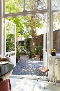 *Dutch courtyard