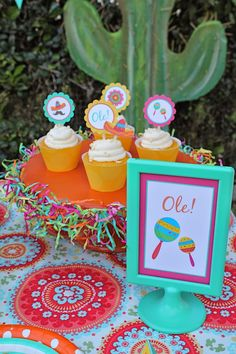 LAURA'S little PARTY: Kid-friendly Fiesta + FREE printables!