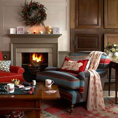 Looking for traditional living room storage ideas? Take a look at this traditionl living room storage from Country Homes & Interiors for inspiration. For more living room ideas, such as how to hide a TV in a traditional living room, visit our living room Christmas Living Rooms, Cozy Living Rooms, My Living Room, Home And Living, Living Room Furniture, Modern Furniture, Furniture Design, Coastal Living, Living Area