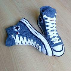 Converse Slippers, Converse Boots, Denim Converse, Converse Logo, Custom Converse, Black Converse, Knitted Slippers, Mens Slippers, Slipper Socks