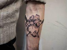 Broken... but still beating.  #heart#dotwork#tattoo#tatt#tatted#ink#inked#design#art#arts#artist#artists#artwork#inkstinctsubmission#tguest#inklife#darkartists#instagood#instagram#skinartmag#customtattoo#tattoolookbook#tguest