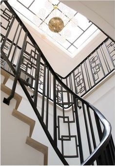 Staircase design by Pierre Yovanovitch so linear and chic Marisa Marcantonio Marisa Marcantonio loves it Stair Handrail, Staircase Railings, Modern Staircase, Stairways, Banisters, Railing Design, Staircase Design, Interior Stairs, Interior And Exterior