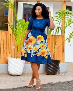 Hello fashion lovers we bring you latest aso ebi styles 2019 fro African Fashion Styles.You don't need to worry on how to look for that occassion because we got Classy Work Outfits, Classy Dress, Classy Gowns, Lace Dress Styles, Lovely Dresses, Elegant Dresses, African Wear Dresses, African Attire, Ankara Skirt And Blouse