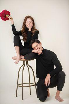 Korean Wedding Photography, Couple Photography Poses, Pre Wedding Poses, Pre Wedding Photoshoot, Prenup Photos Ideas, Prenuptial Photoshoot, Korean Couple Photoshoot, Fancy Wedding Dresses, Foto Wedding