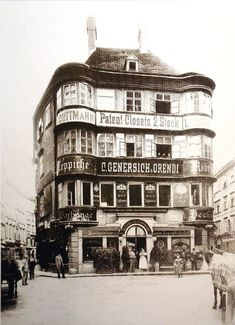 Vienna, Regensburger Hof, Lugeck before the demolition the House was built in the century Scenery Pictures, Funny Pictures, Austro Hungarian, 15th Century, World Cultures, Time Travel, Old World, Old Photos, Street Photography