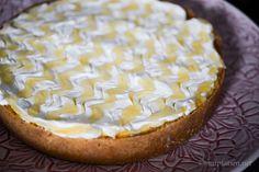 Yoghurtcheesecake med karamelliserad ananas Camembert Cheese, Tart, Nom Nom, Cheesecake, Pie, Desserts, Food, Yogurt, Pineapple