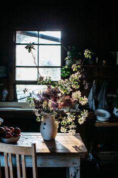 Bouquet Arrangement, Photo by Luisa Brimble | The Dailys