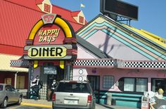 Happy Days Diner in Pigeon Forge - A fun place to eat delicious food! #restaurant