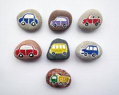 7 voitures avec aimants, trafic Play, plage de galets, jouer pour tableau magnétique, éco jouets, idée cadeau pour les garçons, peint des pierres de la mer