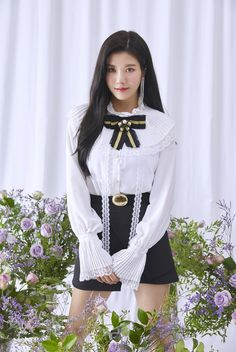 ﹝Park Yewon﹞ ー Kwon Eunbi ♡̷̷ Stage Outfits, Kpop Outfits, Cute Outfits, Yuri, Kpop Girl Groups, Kpop Girls, Kpop Mode, Japanese Girl Group, Famous Girls
