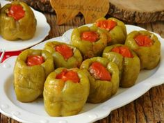 Biber Dolması Nasıl Yapılır? Turkish Recipes, Ethnic Recipes, Baked Potato, Recipies, Food And Drink, Potatoes, Baking, Vegetables, Recipe