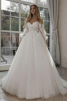 Cute Wedding Dress, Princess Wedding Dresses, Dream Wedding Dresses, Bridal Dresses, Medieval Wedding Dresses, Kleinfeld Wedding Dresses, Wedding Dress Corset, Outside Wedding Dresses, Disney Inspired Wedding Dresses
