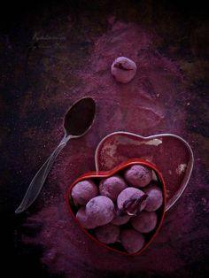 KUCHARNIA Chocolate and Hibiscus Flower Truffles Recipe