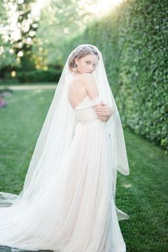 2018 COLLECTION – Elizabeth Mackenzie Bridal