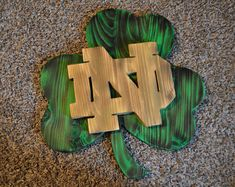 Check out our notre dame sign selection for the very best in unique or custom, handmade pieces from our signs shops. Football Crafts, Football Love, Notre Dame Football, Diy Wood Projects, Wood Crafts, Router Projects, Woodworking Projects, Noter Dame, Irish Images
