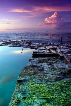 Another incredible shot of the Bogey Hole, Newcastle, NSW. Found on flickr - taken by Naomi Frost.