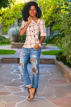 Plaid Twisted Jacket + Ripped Boyfriend Jeans Plaid Twisted Jacket + Ripped Boyfriend Jeans The post Plaid Twisted Jacket + Ripped Boyfriend Jeans appeared first on Best Pins. Crop Top Outfits, Mode Outfits, Fashion Outfits, Jean Outfits, Skirt Outfits, Fashion Boots, Looks Chic, Looks Style, Classy Outfits