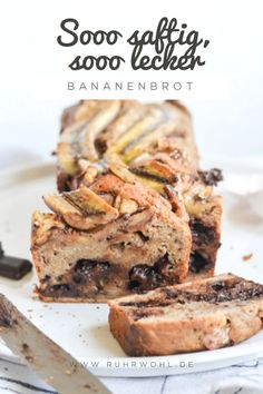 Recipe for juicy banana bread - Rezept für saftiges Bananenbrot – ruhrwohl.de Recipe for a juicy banana bread with chocolate and walnuts - Dessert Simple, Baking Recipes, Cake Recipes, Snack Recipes, Brownie Recipes, Chocolate Cake Recipe Easy, Chocolate Recipes, Banana Bread Recipes, Food Cakes