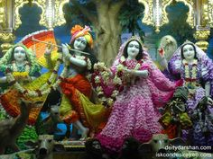 http://harekrishnawallpapers.com/sri-sri-radha-gopinath-lalita-vishakha-wallpaper-016/