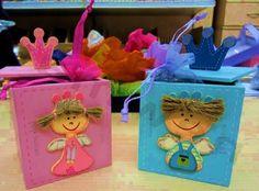 Υπέροχα Ξύλινα κουτάκια Μικρός Πρίγκιπας και Μικρή Πριγκίπισσα για ξεχωριστές μπομπονιέρες! Όταν το Θέμα της Βάπτισης είναι Πρίγκιπας και Πριγκίπισσα αυτή η επιλογή θα σας καλύψει απόλυτα και θα εντυπωσιάσει τους καλεσμένους σας. http://progipasprigipissa.jimdo.com/