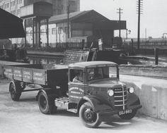 Vintage Trucks, Old Trucks, Bedford Truck, Old Lorries, Road Transport, British Rail, Train Car, Commercial Vehicle, Classic Trucks