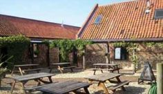 Eco-friendly award-winning backpackers' hostel on the beautiful North Norfolk coast. Escape the smog of the cities to this stunning part of the world. Deepdale Backpackers offers private en suite rooms (double, twin, triple, quad and family), single sex and mixed dorms.