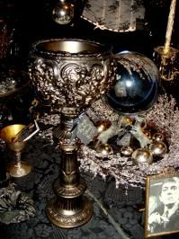 *Haunting Antique Decor View All [www.gothicroseantiques.com]