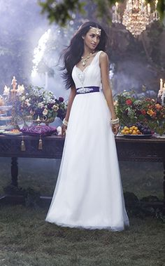 Jasmine, from the 1014 Disney's Fairy Tale Weddings by Alfred Angelo collection - Style 237, love the bust line of this!