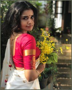 Actress Anupama Parameswaran Traditional Stills In A Saree - Social News XYZ South Actress, South Indian Actress, Beautiful Indian Actress, Beautiful Actresses, Beautiful Heroine, Beautiful Women, Beautiful Saree, Sonam Kapoor, Deepika Padukone