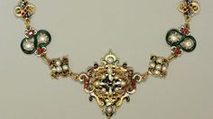 Parure with necklace, brooch and earrings made from enamelled gold, pearls, rubies and emeralds, late 16th century with later additions Cred...