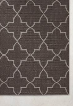 A classic lattice pattern is repeated on our Skylar Indoor/Outdoor Rug to create a simple yet beautiful rug that works well with any outdoor decor. This easy-care rug is powerloomed using polypropylene to create a nice flat-weave texture that retains its colors and design season after season.