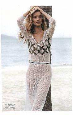 Rosie Huntington Whiteley wears 'the swimmer' dress from resort13