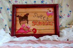 Decoratief houten panelen bord. Beschilderd met een Sweet Summer meisje met ijsje.€ 7,50 Check onze webwinkel of het product nog verkrijgbaar is