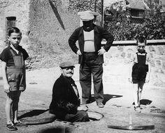 Vivian Maier's Photos  //  Vintage prints donated to Saint Julien en Champsaur, France