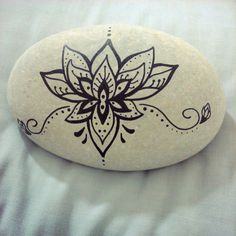 #henna #hennaartist #tattoo #beach #rock #lotus #hennainspire #graphics #deco #art #homedecoration #design #creations #high #black #nature #allnatural #tb #summerpassion #cool #souvenir #unique