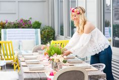 How To Throw A Flower Crown Party - Lauren Nelson #flowercrown #flowercrownparty #crownsbychristy