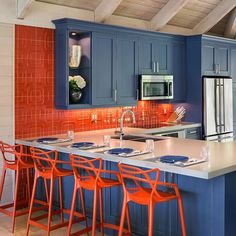 Imperial pattern backsplash in Lacquer designed by Lorrie Browne Interiors Kitchen Furniture, Kitchen Interior, Kitchen Dining, Orange Kitchen Decor, Kitchen Colors, Layout Design, Modern Kitchen Renovation, Diy Outdoor Kitchen, Mid Century Modern Kitchen