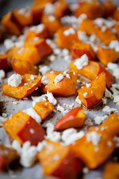Calabaza al horno con canela, miel y queso Feta - www. Pumpkin Recipes, Veggie Recipes, Vegetarian Recipes, Cooking Recipes, Healthy Recipes, Roast Pumpkin, Soul Food, Food Inspiration, Food Porn