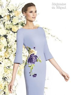 Embroidery Suits, Embroidery Fashion, Elegant Dresses, Beautiful Dresses, Couture Dresses, Fashion Dresses, Corset Pattern, Royal Dresses, Creation Couture