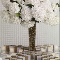 Escort card table: use navy/gray/light blue instead of gold