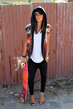 Colour co-ordinated skateboard and heels - love!