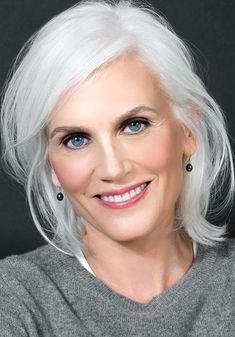 Gray hair אפור silver hair, which hair colour и grey hair Grey Hair Don't Care, Long Gray Hair, Grey Wig, Mature Women Hairstyles, Simple Hairstyles, Medium Hairstyles, Curly Hairstyles, Celebrity Hairstyles, Pelo Color Plata