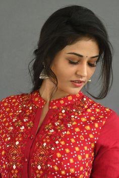 Actress Priyanka Jawalkar Stills From Taxiwaala Movie Promotions - Social News XYZ Actress Stills From Movie Promotions Beautiful Girl In India, Beautiful Girl Image, Beautiful Saree, Beautiful Ladies, Beautiful Bollywood Actress, Most Beautiful Indian Actress, Beautiful Actresses, Cute Beauty, Beauty Full Girl