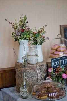 Hochzeitstorte klassisch frische Blumen  wedding by o&s  Pinterest