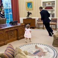 Obama's adorable play mate