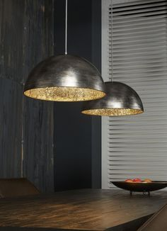 Factory loft style in combination with glamorous gold and silver – this is the hanging lamp Dottore Doppio! The highlight of this pendant lamp is the color effect. Switched off are the broken … Luminaire Suspension Design, Luminaire Design, Recycled Light Bulbs, Luminaire Original, Industrial Mirrors, Bright Homes, Room Lamp, Bed Room, Kitchens